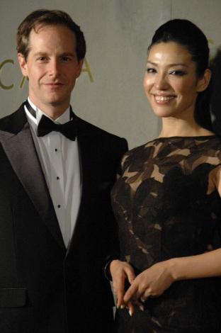 セオドールミラー wiki 年収 アンミカ 旦那 会社 初婚 再婚 日本語 ユダヤ人