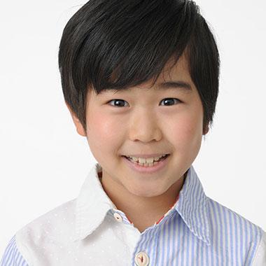 鈴木福の兄弟の名前は?親の年齢は40歳で父親は巨人の選手だった!