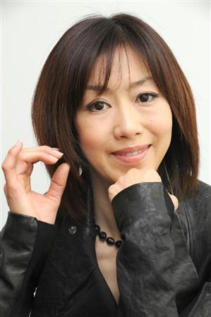 城戸真亜子は義眼をカミングアウト!親の介護でメディアの露出減少!