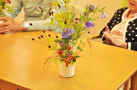 敬老の日,プレゼント デイサービス,花 アレンジメント,お菓子