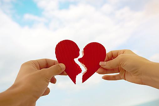 失恋で立ち直れない男の期間とは?つらい片思いから立ち直る名言紹介!