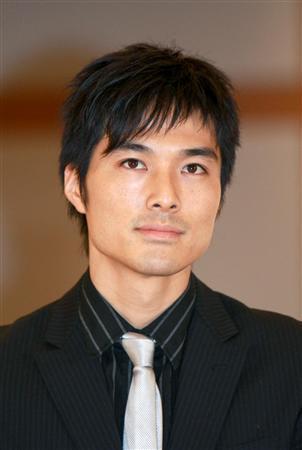 池田努と要潤は兄弟のように似てる!個展を開くぐらい絵の才能がある!
