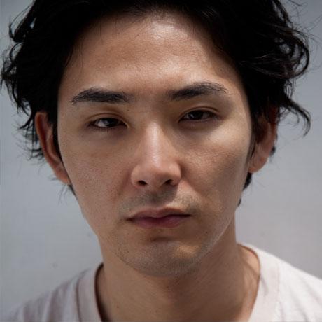 松田龍平が太田莉菜と離婚した理由は別居中に若手俳優と不倫していたから!