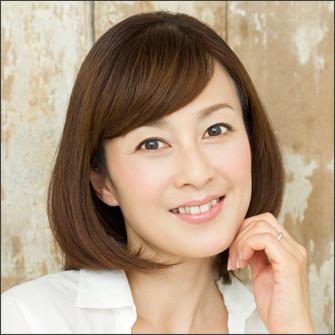 ショートカットの森尾由美さん